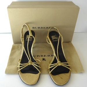 🆕🎁 NWT Burberry strappy gold leather sandals 10